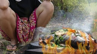 Wild Primitive - Fish Cooking Style on The Rock in The Jungle