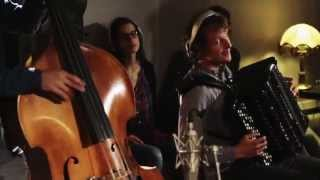 """Eat, drink and be merry"" - Holler my Dear live at Traumton Studio Part 3"
