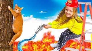 Ястася играет в профессию как пожарный и спасает котёнка