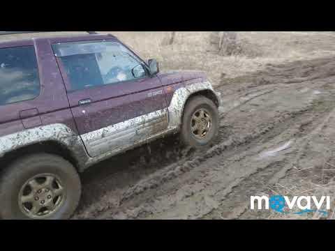 Pajero Junior по грязи