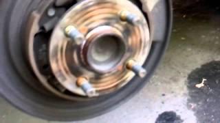 Toyota Corolla - замена задних тормозных колодок и тормозных дисков