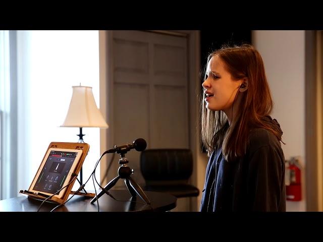Holly Vetter sings