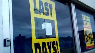 Last Day of Toys R Us at Bay Parkway, Brooklyn