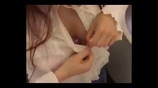 Download Video Aksi perempuan yang mengejutkan didalam toilet pesawat MP3 3GP MP4