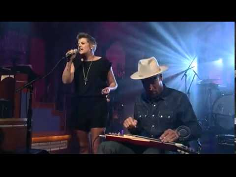Natalie Maines - Take it on Faith - Letterman 5-08-2013