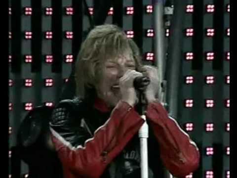 Bon Jovi - Raise Your Hands (Live in Hyde Park, London 2003)