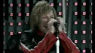 Bon Jovi - Raise Your Hands (Live in Hyde Park, London 2003)