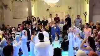 اصحاب العروسة ولعوا الفرح