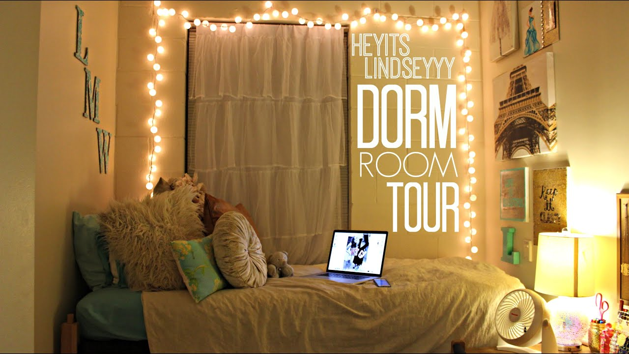 Dorm Room For A Junior In College
