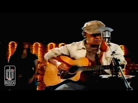 Iwan Fals - APAKAH AKU BENAR-BENAR MEMILIKI KAMU (Official Video)