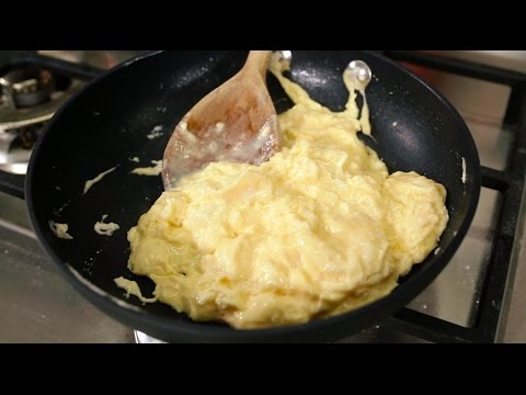 How to make the perfect scrambled eggs - BBC Good Food