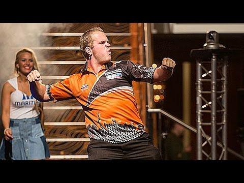 AMAZING WALK-ON! Dirk van Duijvenbode's Crazy Walk-On Dance!