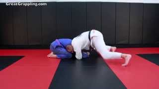 In this video I show a one handed loop choke. This is one of my abs...