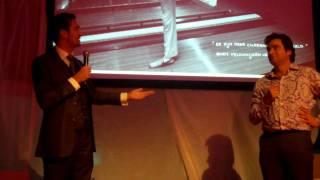 Huub van Zwieten in gesprek met Boris Veldhuijzen van Santen