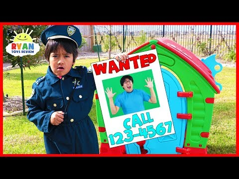 Ryan Pretend Play Police Helps find Daddy