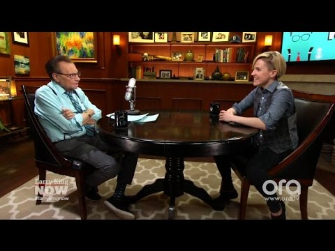 Hannah Hart on Mom's Schizophrenia: What We Don't Know Makes Us Afraid | Larry King Now | Ora.TV