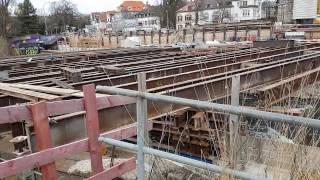 Freiburg Dreisam Kronenbrücke Neubau Stahlträger für Straßenbahn März 2017