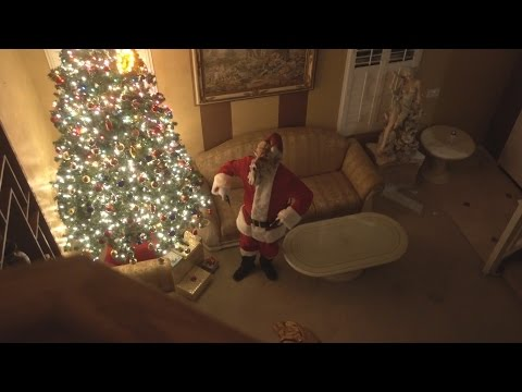 Scary Killer Santa Claus BREAKS INTO OUR HOUSE!! | FaZe Rug