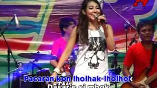 Download lagu Via Vallen Ra Kuat Mbok