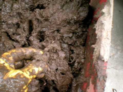 Horno de barro preparando barro youtube - Como limpiar suelos de barro ...