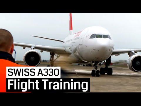 SWISS Pilot Training Airbus A330-200 (Cockpit, Jumpseat)