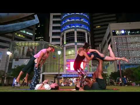 AcroYoga Jam singapore - emico's farewell jam