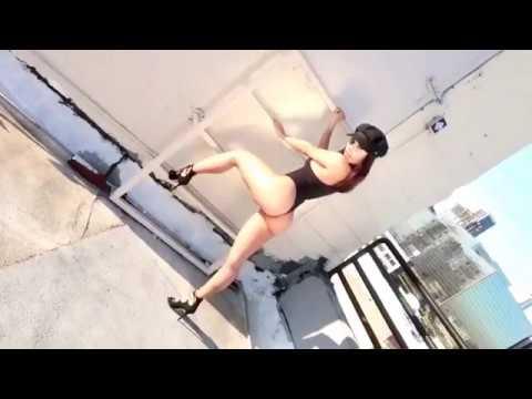 Lupe Fuentes (actriz porno) y THE EX GIRLFRIENDS - Whatchya Lookin At - ¿Que estas mirando? from YouTube · Duration:  5 minutes 25 seconds