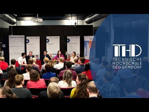 Podiumsdiskussion 'SZ Auditorium - Bachelor vs. Master, was braucht die Wirtschaft?'