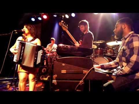 Amour t'es lá? - Snarky Puppy (with Magda Giannikou) LIVE