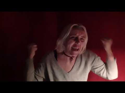 Laura Non C'è - Nek- Parodia