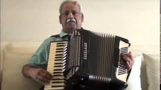 SHESHADRI SINGS .. QADAR JAANE NAA THROUGH HIS ACCORDION