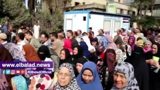محافظ المنوفية يشهد توزيع كراتين 'تحيا مصر' ببركة السبع .. صور وفيديو