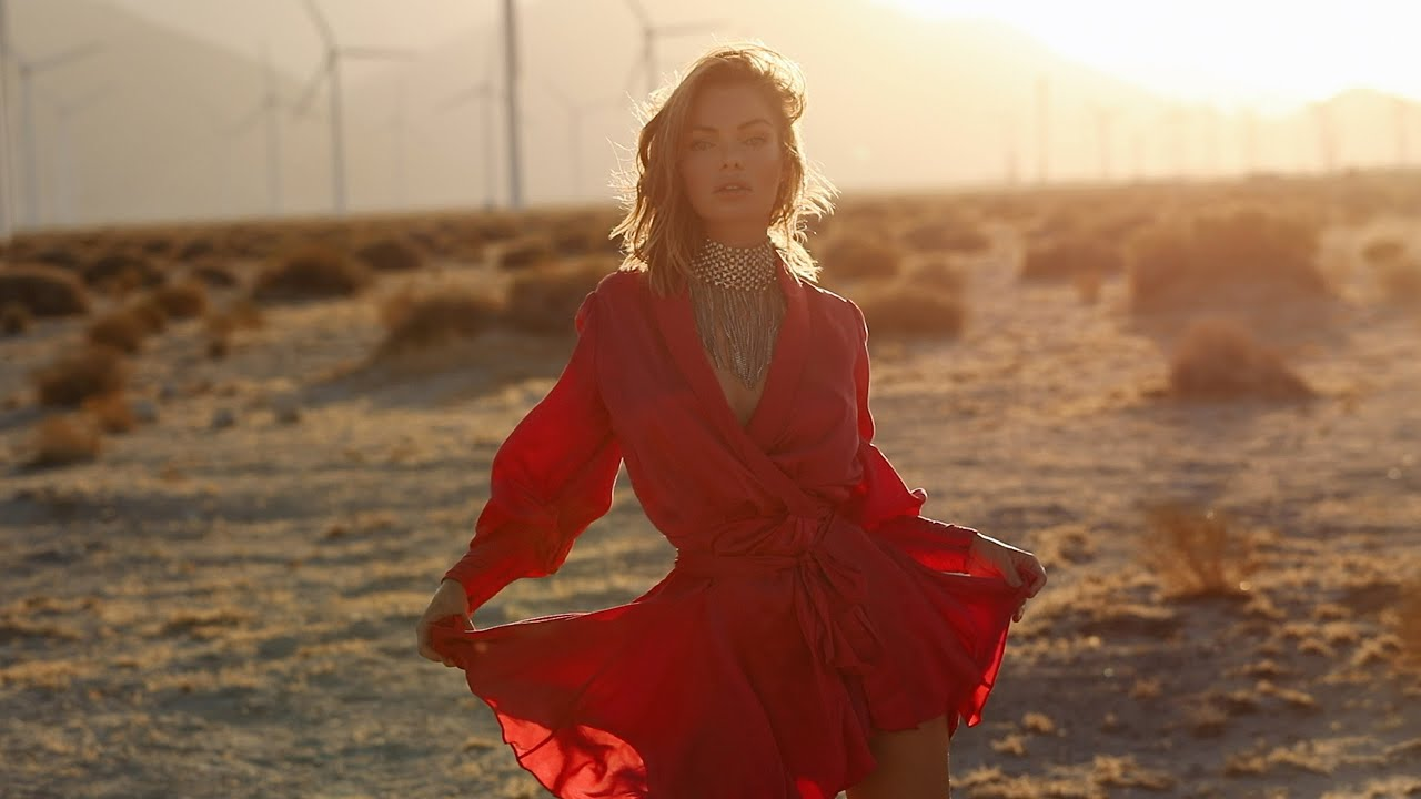 FASHION EDITORIAL SHOOT IN PALM SPRINGS   FALL OUTFITS   LOOKBOOK   ANNA CASEY