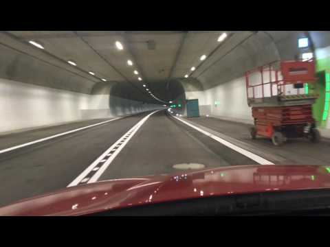Tunnelfahrt durch den Branichtunnel
