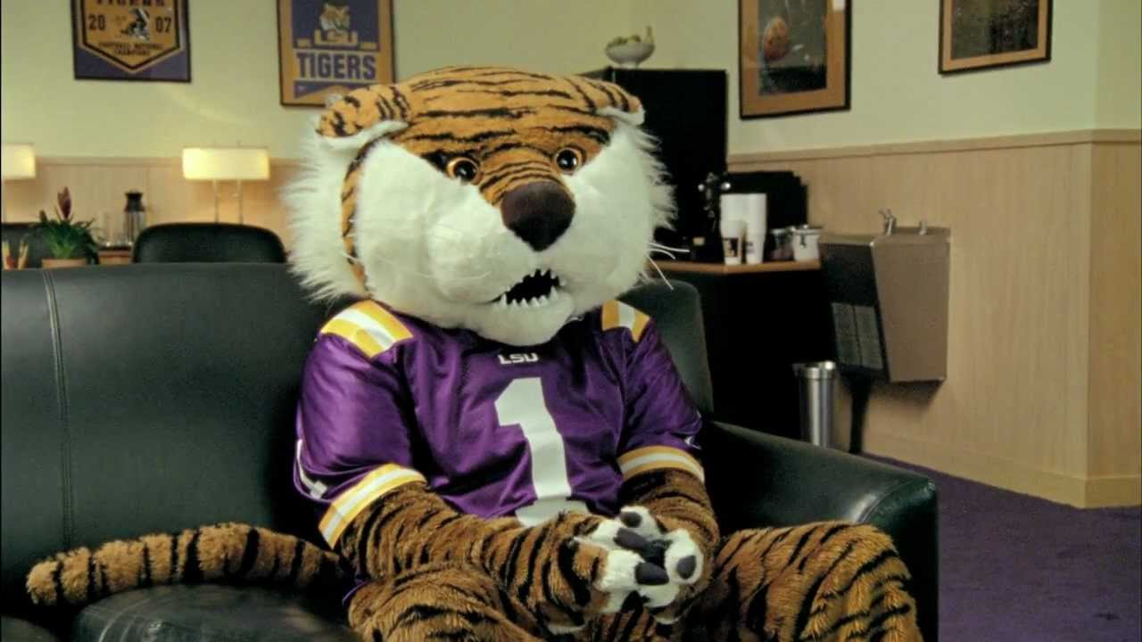 Les Miles Mike The Tiger Ea Sports Ncaa Football 13 Commercial
