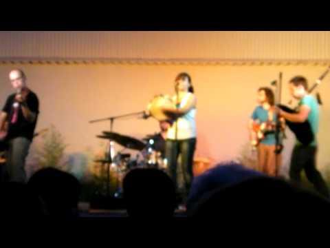 Actuación musical del grupo Keympa en Cerdanyola
