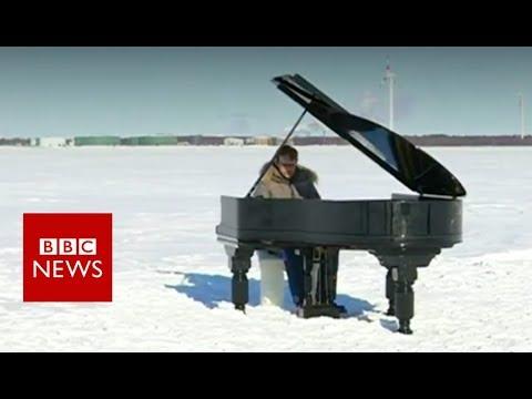 Extreme piano on frozen Baltic Sea - BBC News