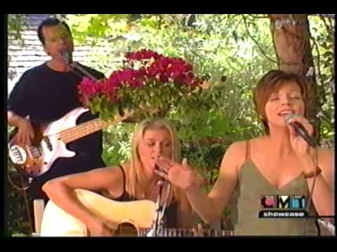 Martina McBride - 01  I Love You - CMT Showcase 1999