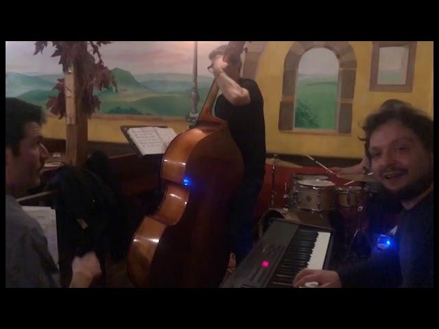 Band for MUJIC - Concerto a Fabrica di Roma presso il ristorante