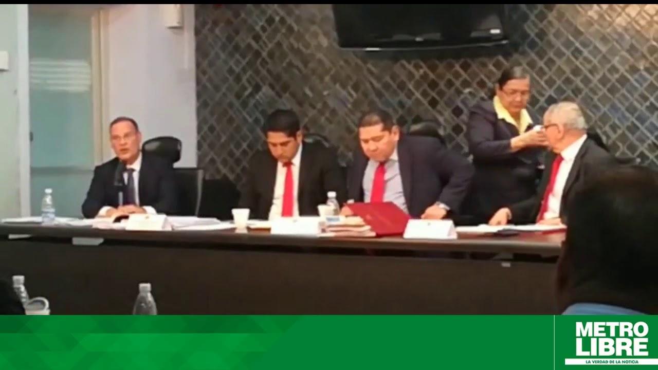 Download Comisión de Credenciales en sesión para nombramiento de Magistradas