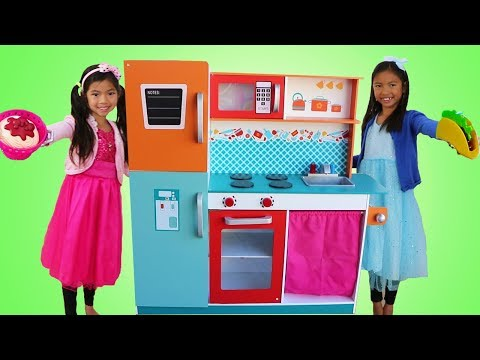 Emma & Wendy Pretend Play COOKING Competition with Cute Giant Kitchen Toy