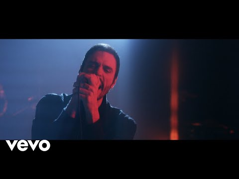Breaking Benjamin - Torn in Two