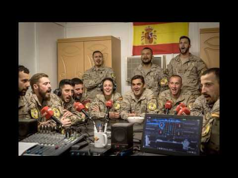 Los militares españoles en Irak reciben con un himno a 'El Gran Capitán'