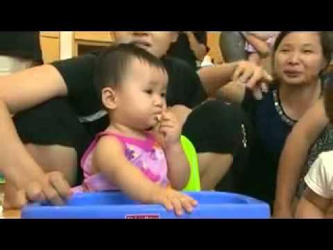 Giới thiệu về phương pháp ăn dặm do bé tự chỉ huy (Baby Led Weaning)