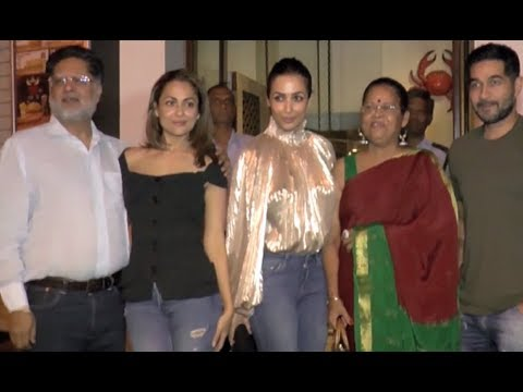 Malaika Arora Khan And Amrita Arora With Their Parents At Restaurant