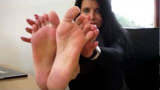 Repeat youtube video High heels and bare feet at Aga's office