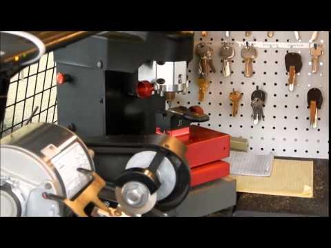 How Car Key Transponder Key Copying Is Done Barren