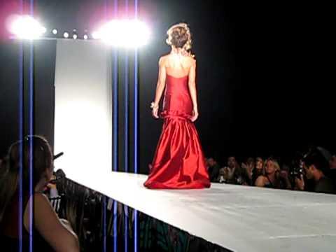 Whitney Thompson walks St. Jude fashion