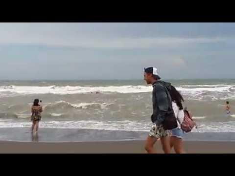 Guardavidas publican el video de un triple rescate en Monte Hermoso
