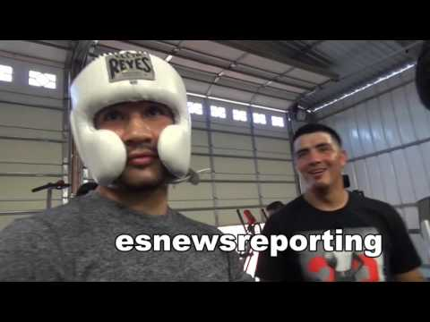 brandon rios in gym in riverside backing his teammates - EsNews